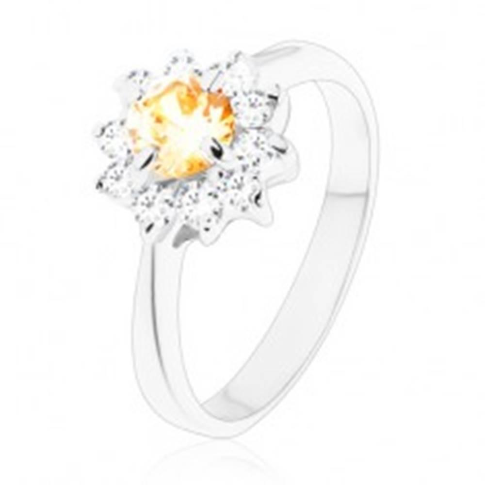 Šperky eshop Ligotavý prsteň s úzkymi ramenami, okrúhly oranžový zirkón s čírymi lupeňmi - Veľkosť: 49 mm