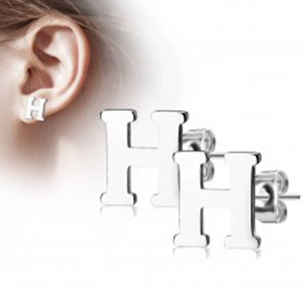 Šperky eshop Oceľové náušnice striebornej farby - veľké tlačené písmeno H, vysoký lesk
