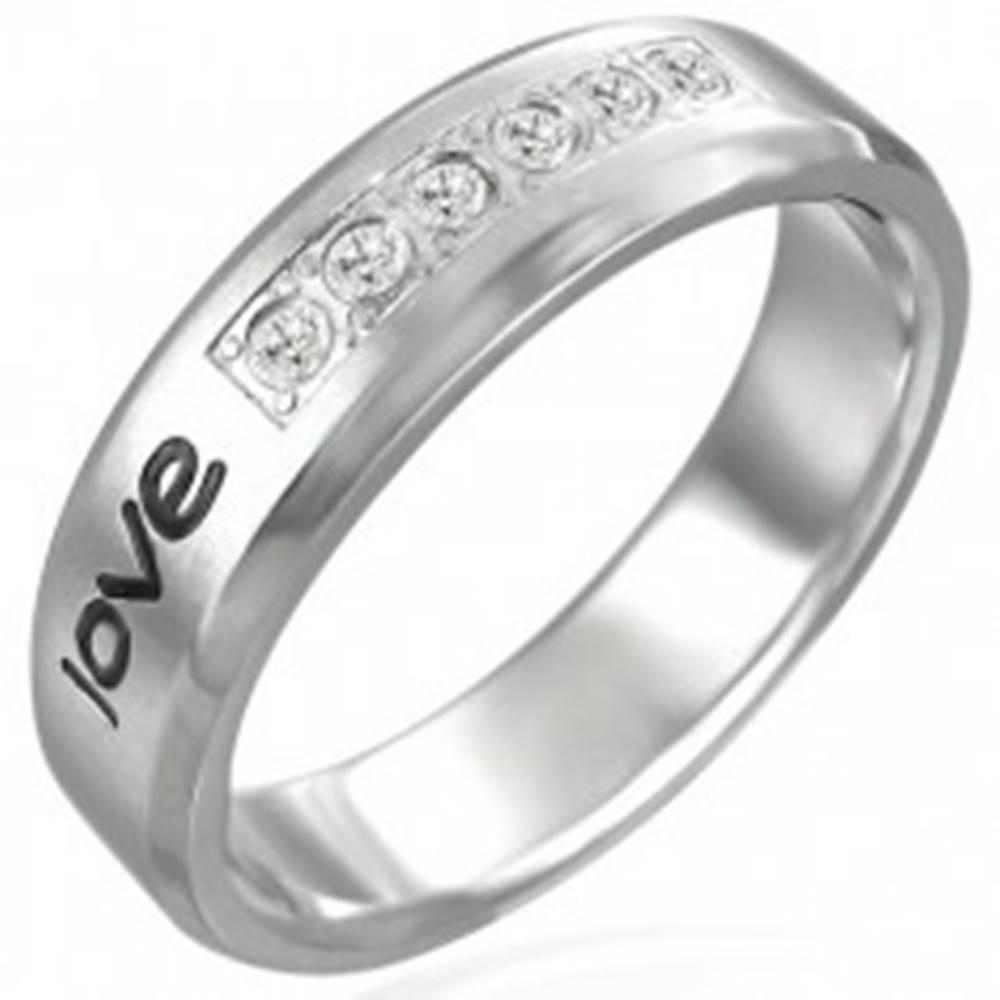 """Šperky eshop Oceľový prsteň - nápis """"love"""", šesť zirkónov - Veľkosť: 52 mm"""