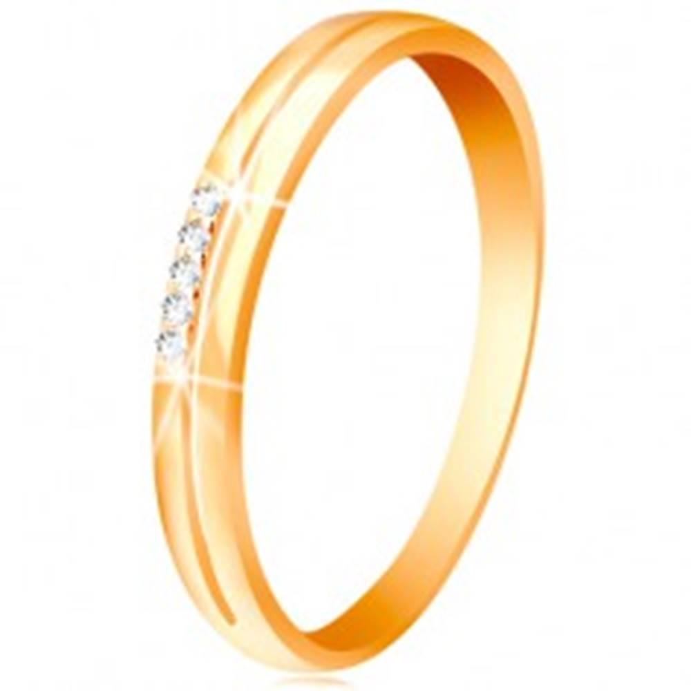 Šperky eshop Prsteň v žltom zlate 585, ramená s úzkym výrezom, číra zirkónová línia - Veľkosť: 49 mm