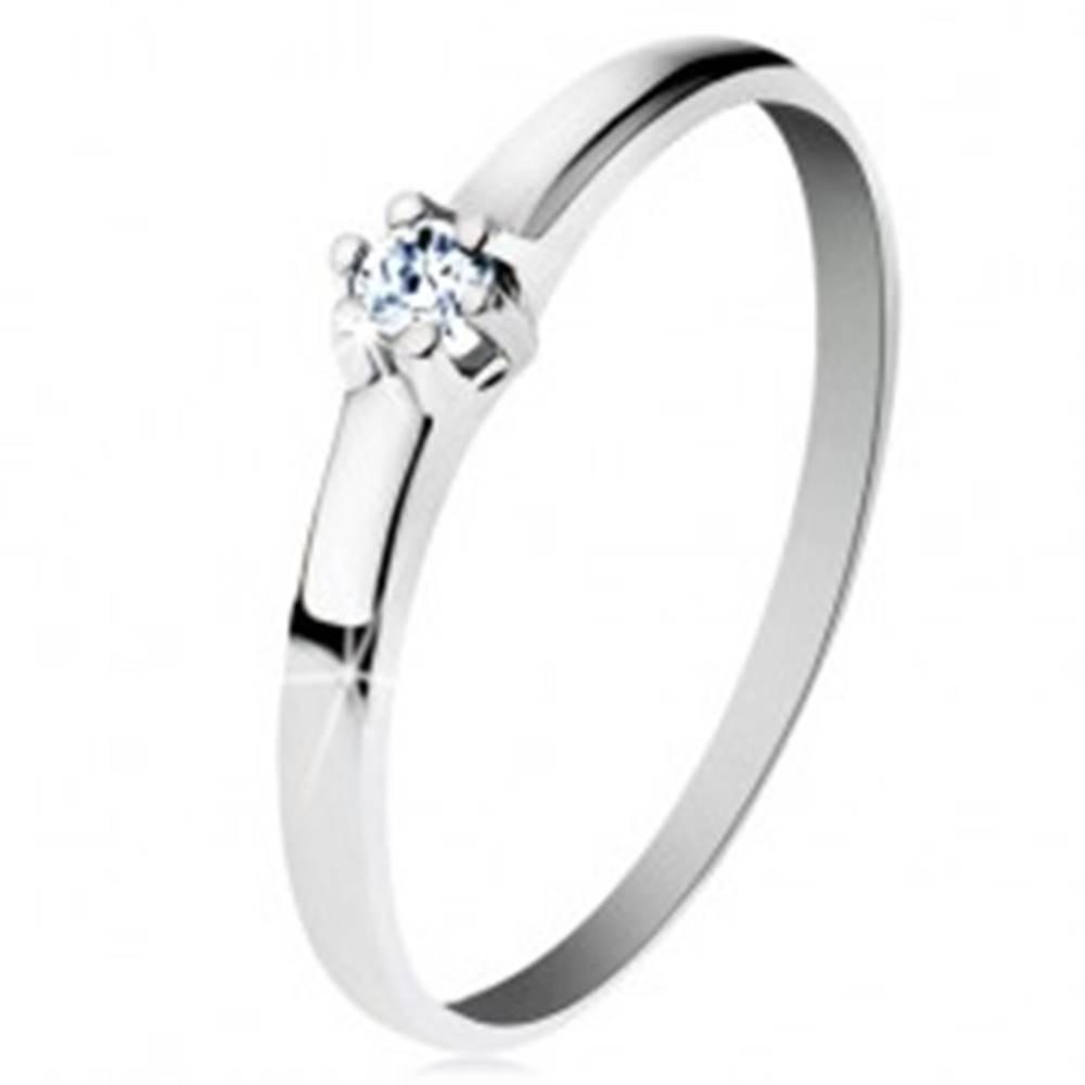 Šperky eshop Prsteň z bieleho 14K zlata - lesklé hladké ramená, žiarivý číry diamant - Veľkosť: 49 mm