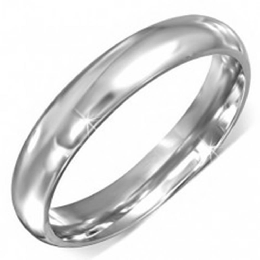 Šperky eshop Prsteň z chirurgickej ocele striebornej farby s hladkým povrchom - Veľkosť: 49 mm