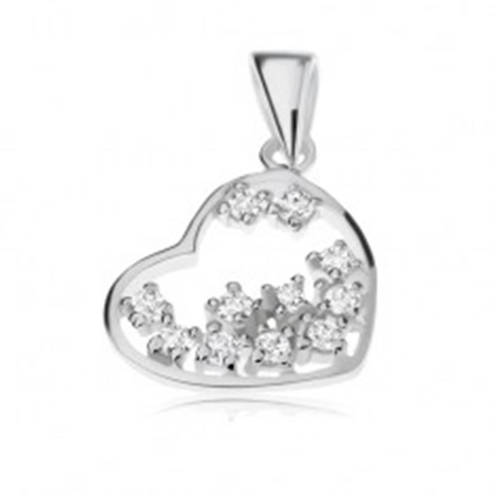 Šperky eshop Strieborný prívesok 925, číre zirkóniky vložené v obryse srdiečka