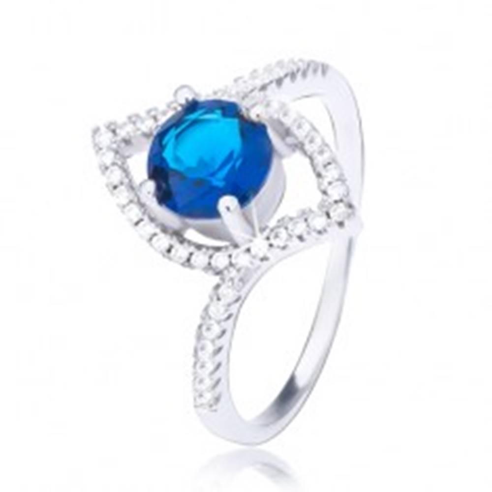 Šperky eshop Strieborný prsteň 925, zvlnená elipsa, vystúpený tmavomodrý zirkón - Veľkosť: 51 mm