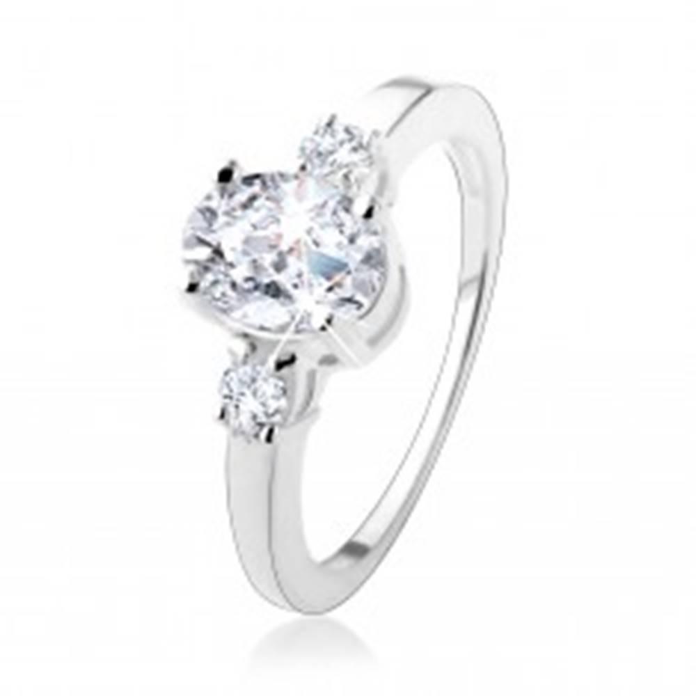 Šperky eshop Zásnubný prsteň s tromi trblietavými zirkónmi, striebro 925 - Veľkosť: 50 mm