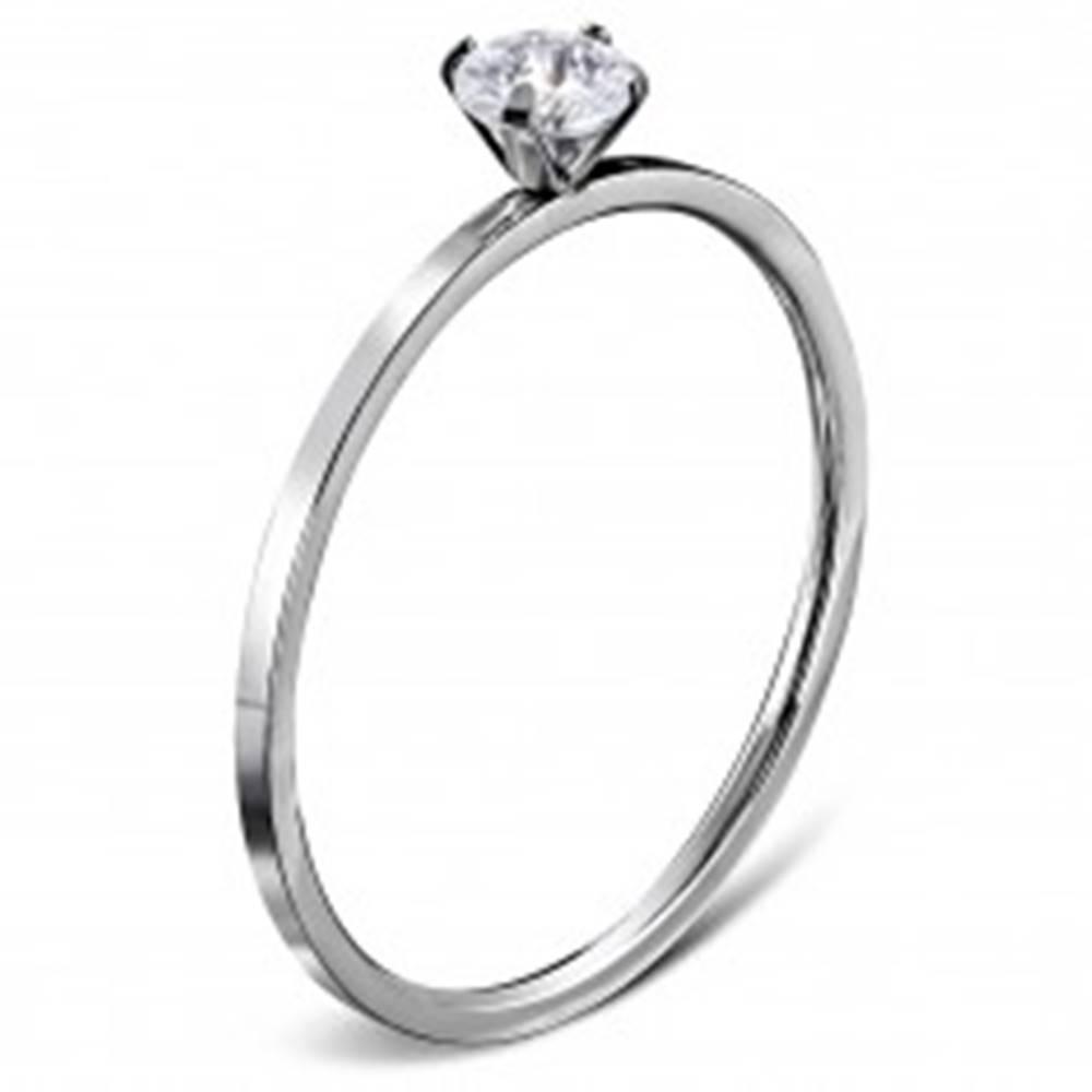 Šperky eshop Zásnubný prsteň z ocele 316L striebornej farby, okrúhly číry zirkón - Veľkosť: 49 mm