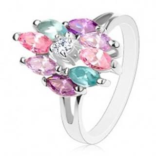 Ligotavý prsteň s rozdelenými ramenami, okrúhly číry stred, farebné zrniečka - Veľkosť: 56 mm