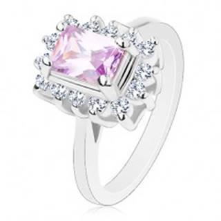 Prsteň s lesklými ramenami, fialový brúsený obdĺžnik, číre lemovanie po obvode - Veľkosť: 52 mm