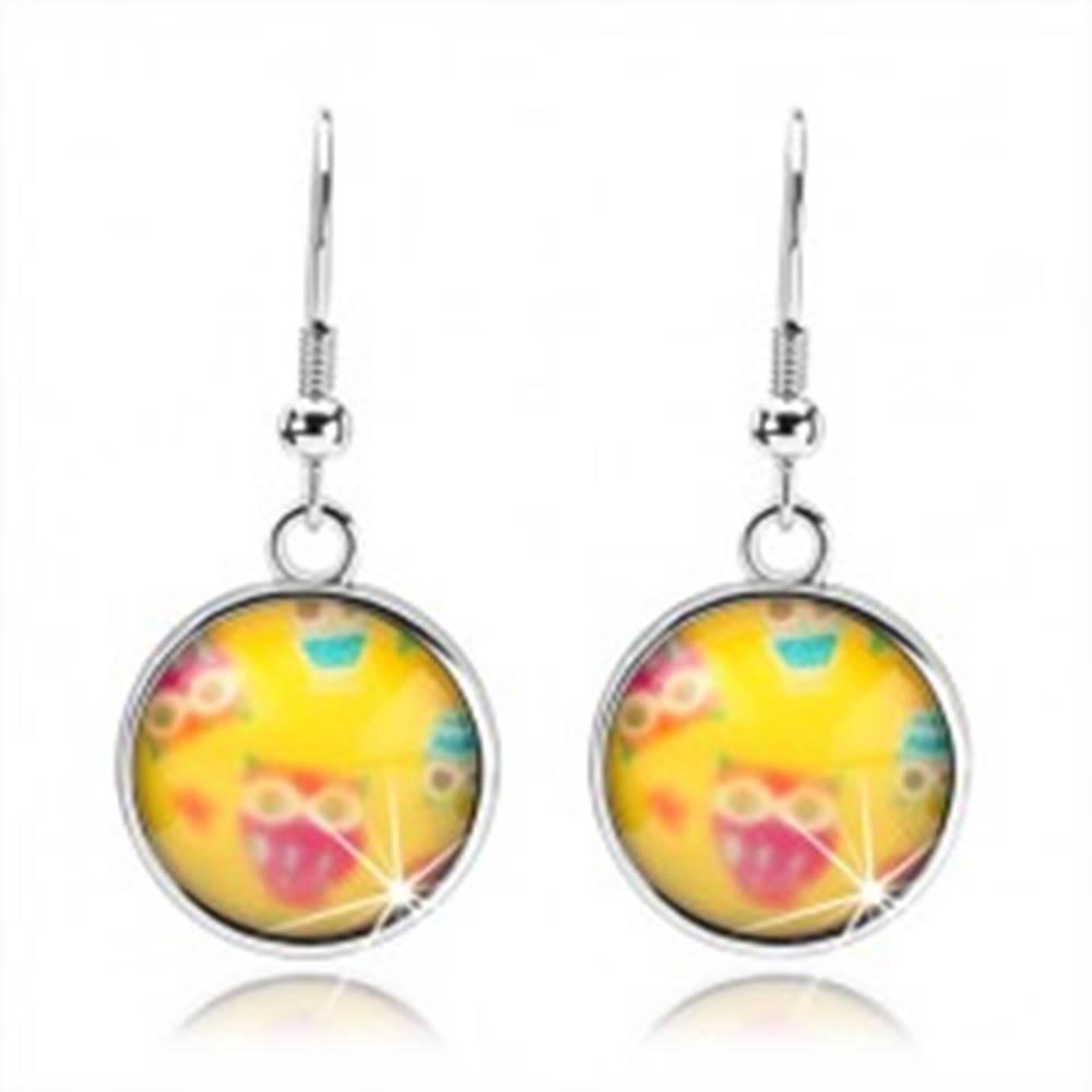Šperky eshop Náušnice v štýle kabošon, kruh vyplnený sklom, farebné sovičky, žlté pozadie
