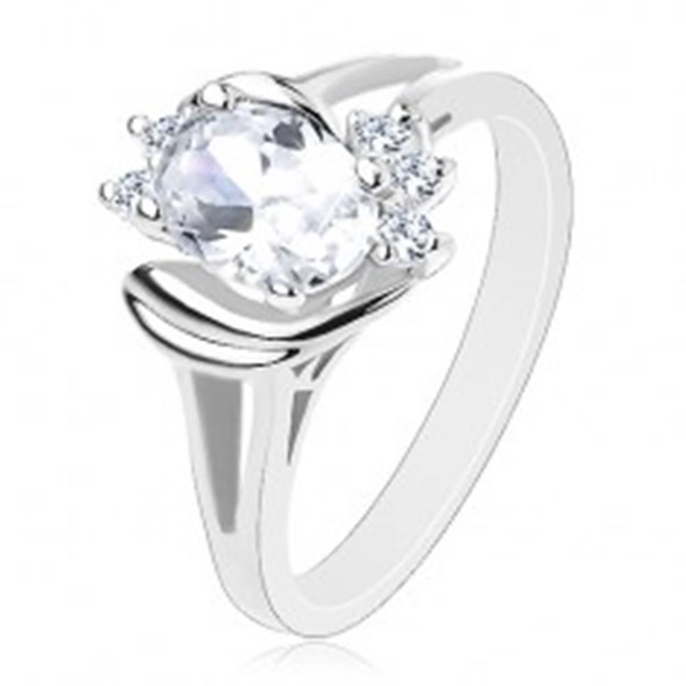 Šperky eshop Prsteň striebornej farby s rozdelenými ramenami, číry ovál, lesklé oblúčiky - Veľkosť: 55 mm