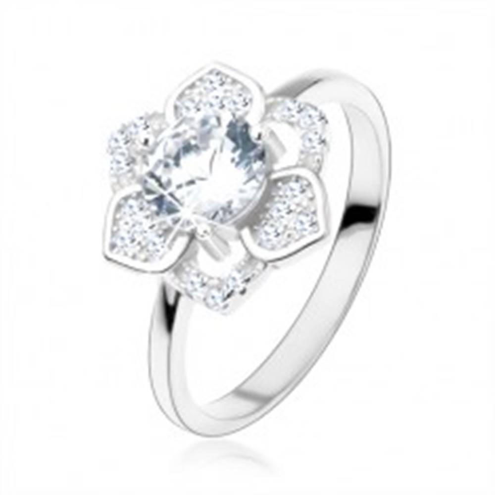 Šperky eshop Prsteň, striebro 925, ligotavý kvet, brúsený číry zirkón, hladké ramená - Veľkosť: 48 mm