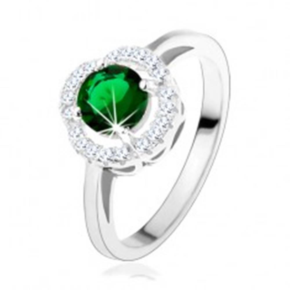 Šperky eshop Zásnubný prsteň, okrúhly zelený zirkón, zvlnený lem čírej farby, striebro 925 - Veľkosť: 49 mm