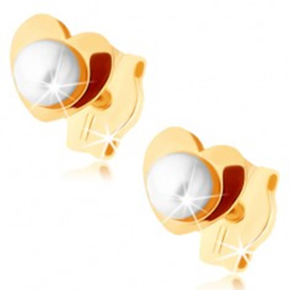 Šperky eshop Zlaté náušnice 375 - lesklé srdiečko, biela perlička v strede
