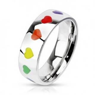 Lesklý prsteň z ocele s dúhovými srdiečkami, 6 mm - Veľkosť: 47 mm