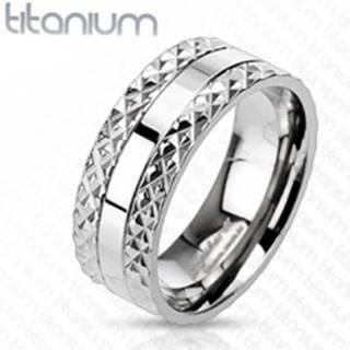Titánový prsteň s vyrezávaným vzorom po stranách - Veľkosť: 59 mm