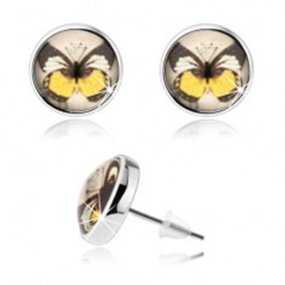 Šperky eshop Cabochon náušnice, číra vypuklá glazúra, farebný motýľ, puzetky