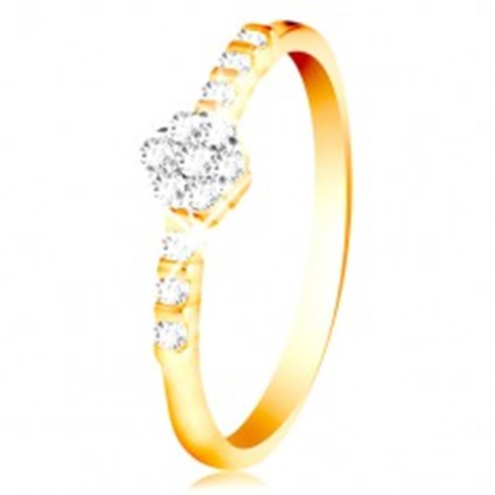 Šperky eshop Prsteň zo 14K zlata - číry ligotavý kvietok, drobné zirkóny na ramenách - Veľkosť: 49 mm