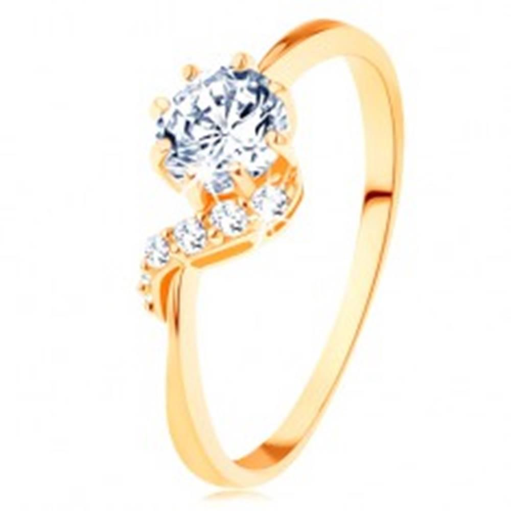 Šperky eshop Prsteň zo žltého 14K zlata - okrúhly zirkón čírej farby, ligotavá vlnka - Veľkosť: 49 mm