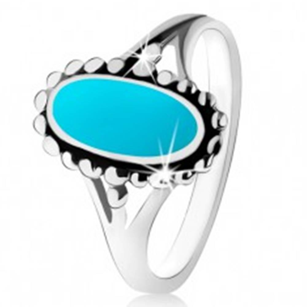 Šperky eshop Strieborný prsteň 925, ovál z tyrkysu, kontúra z guličiek, rozdelené ramená - Veľkosť: 49 mm
