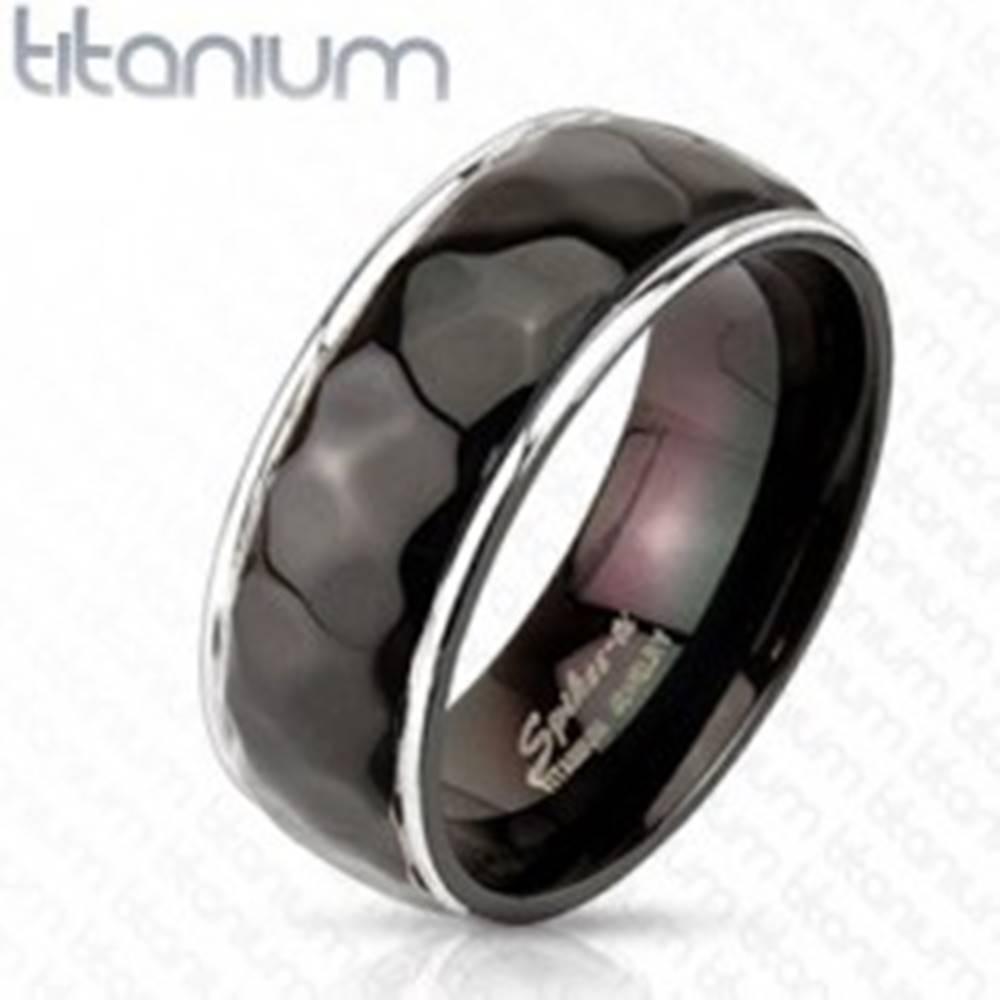 Šperky eshop Titánový prsteň - vzor kosoštvorcov s oblými hranami - Veľkosť: 59 mm