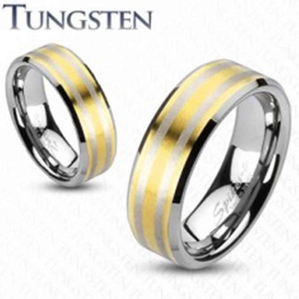 Šperky eshop Tungstenová obrúčka  s dvoma pásikmi zlatej farby - Veľkosť: 49 mm