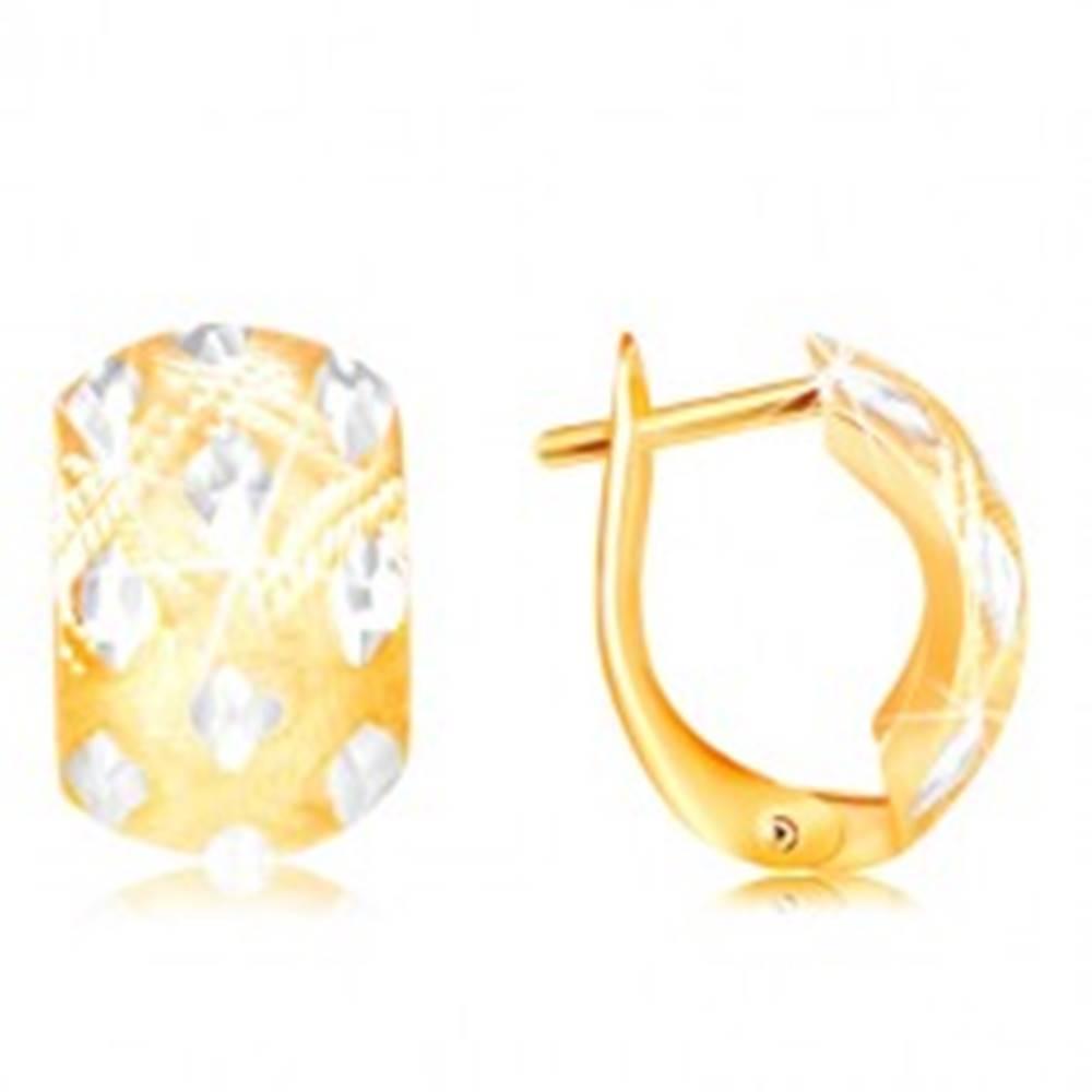 Šperky eshop Náušnice zo 14K zlata - široký oblúk s malými kosoštvorcami z bieleho zlata