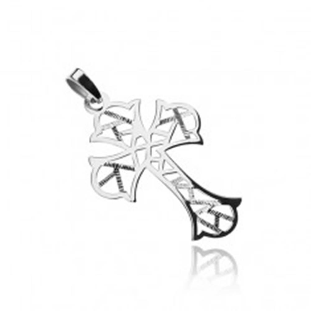Šperky eshop Strieborný prívesok 925, kríž s geometrickými výrezmi