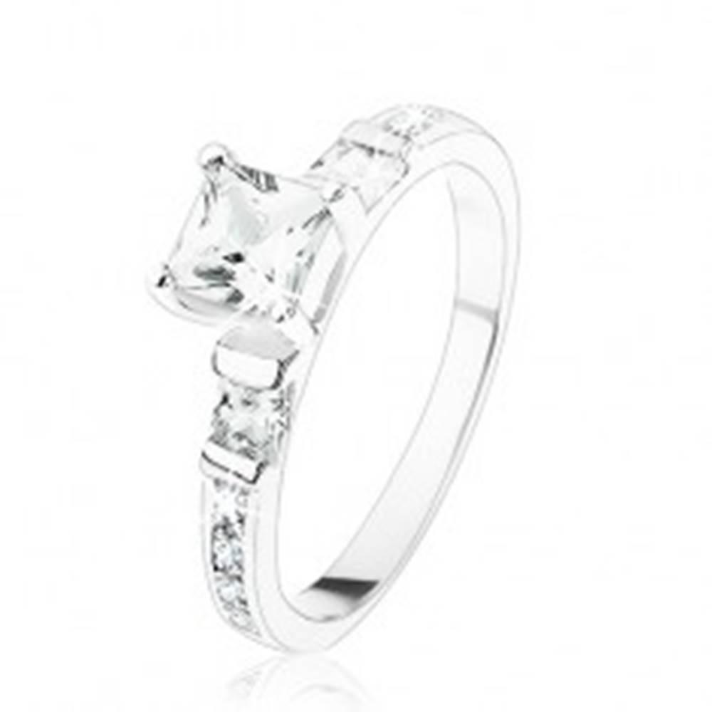 Šperky eshop Zásnubný prsteň zo striebra 925, štvorcové číre zirkóniky, číra zirkónová línia - Veľkosť: 49 mm