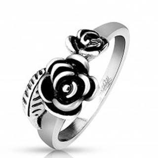 Prsteň z ocele 316L striebornej farby, dve patinované ružičky - Veľkosť: 51 mm