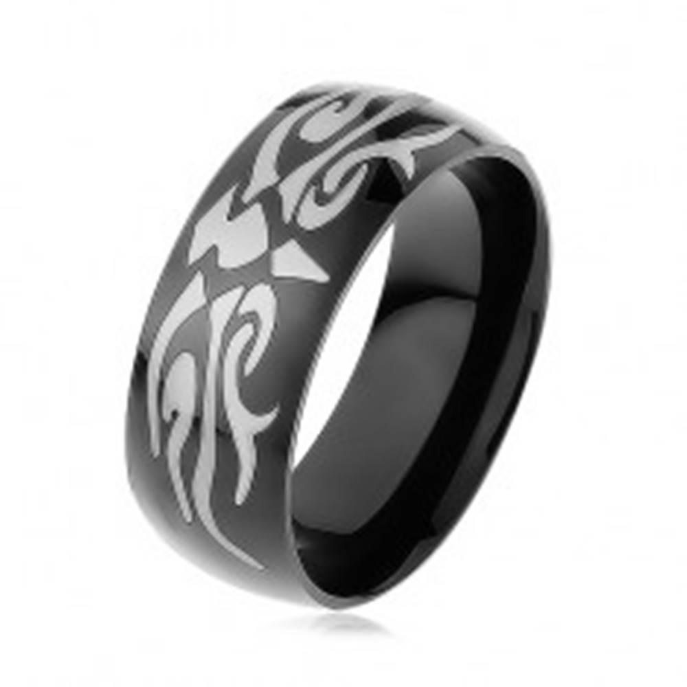 Šperky eshop Lesklý oceľový prsteň čiernej farby, šedý motív tribal, hladký povrch - Veľkosť: 57 mm