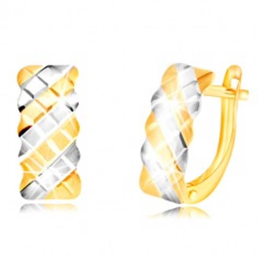 Šperky eshop Náušnice v 14K zlate - matný oblúk zdobený dvojfarebnou mriežkou