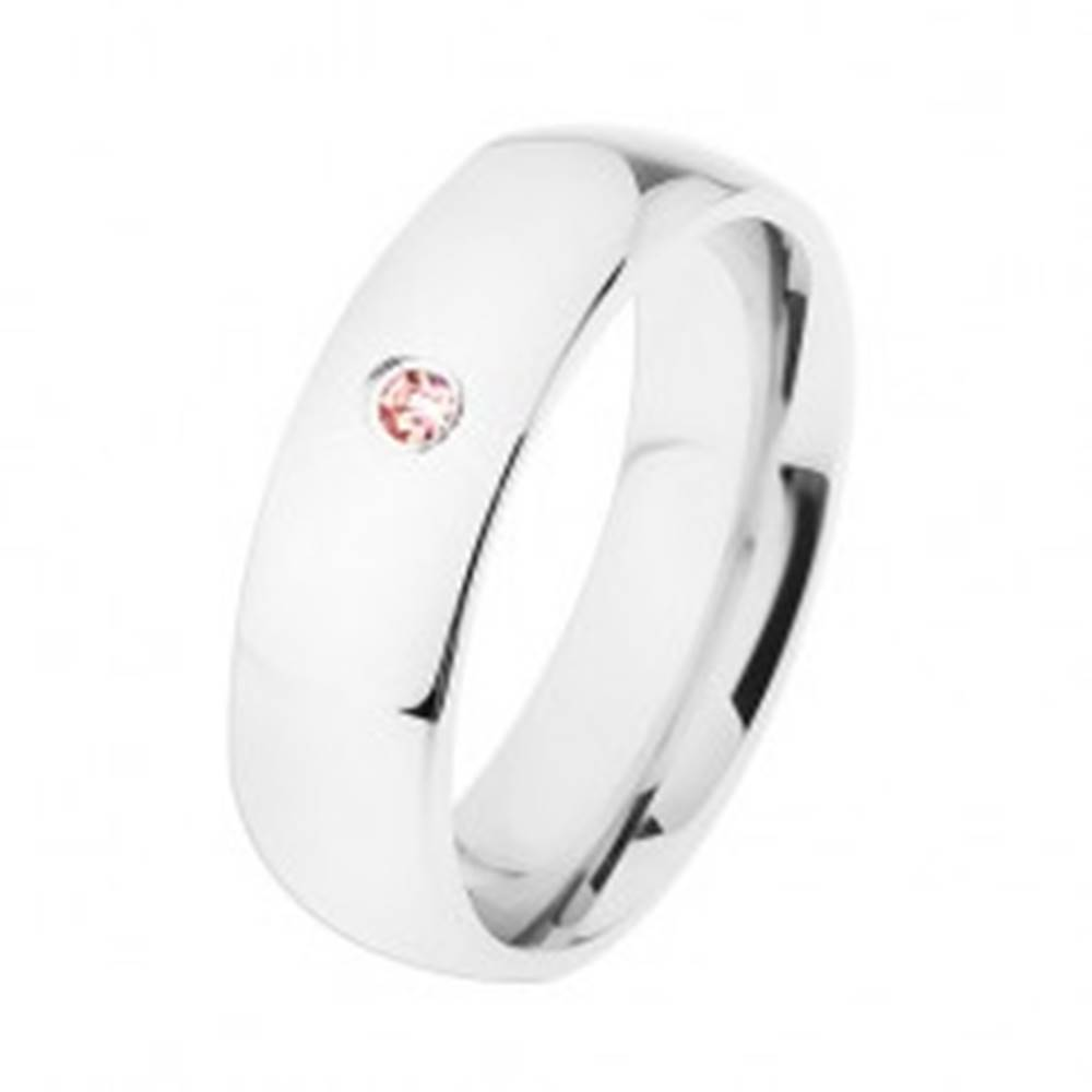 Šperky eshop Široká oceľová obrúčka, strieborná farba, vysoký lesk, ružový zirkónik - Veľkosť: 49 mm