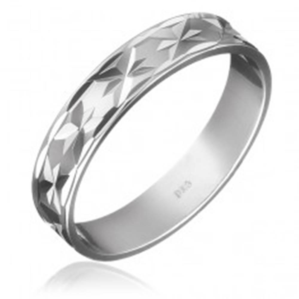 Šperky eshop Obrúčka zo striebra 925 - gravírované lúče po obvode - Veľkosť: 49 mm