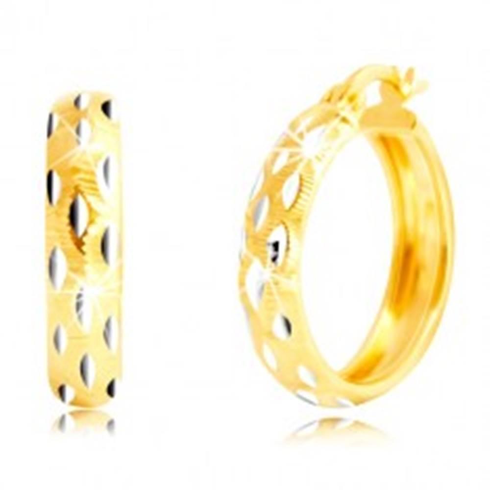 Šperky eshop Okrúhle náušnice v 14K zlate - zrniečka z bieleho zlata, drobné zárezy