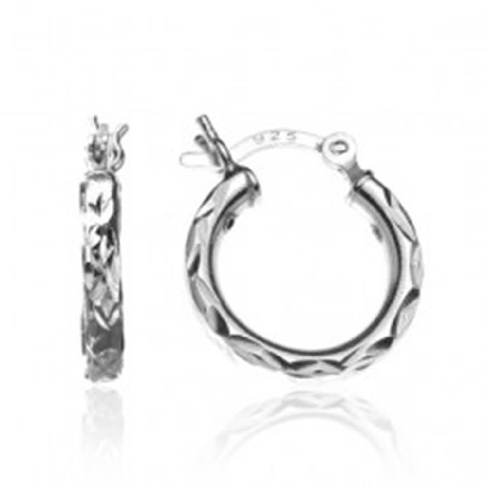 Šperky eshop Okrúhle strieborné náušnice 925 - CIKCAK zárezy, 15 mm