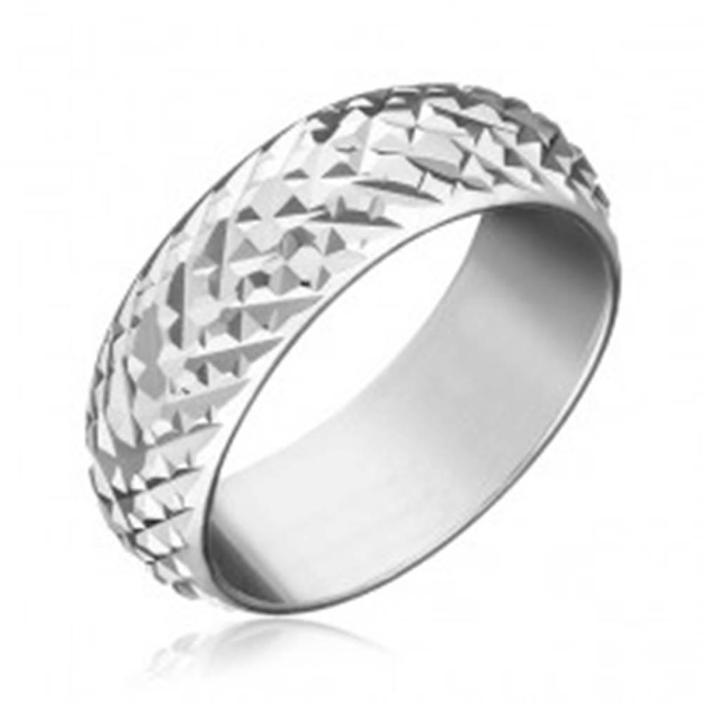 Šperky eshop Prsteň zo striebra 925 - lesklé vystúpené kosoštvorce - Veľkosť: 50 mm
