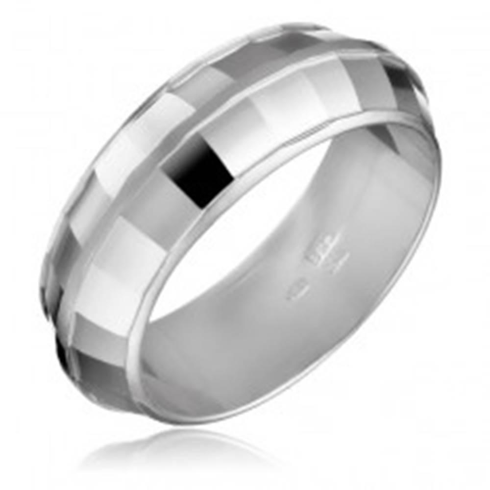 Šperky eshop Strieborný prsteň 925 - DISCO, lesklé štvorčeky - Veľkosť: 50 mm