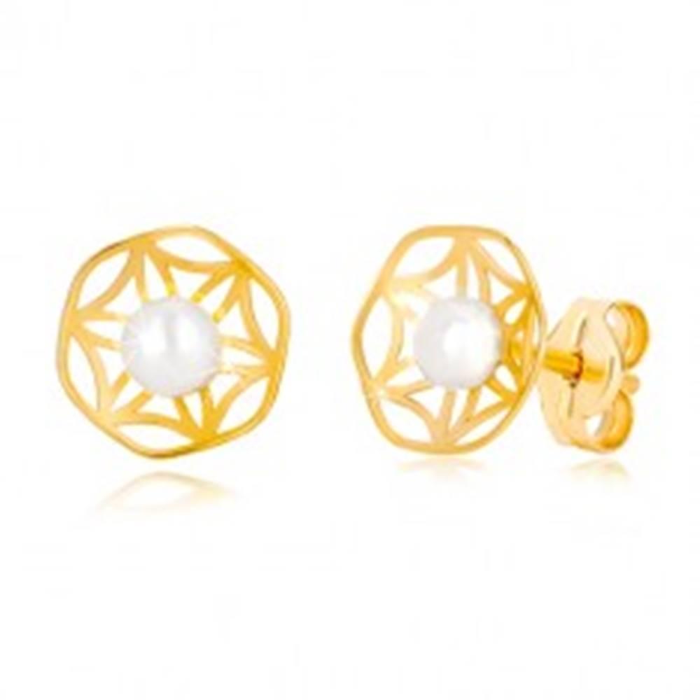 Šperky eshop Zlaté 585 náušnice s vyrezávaným motívom kvetu a perlou v strede