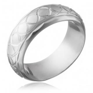 Strieborný prsteň 925 - gravírované prepletané očká - Veľkosť: 50 mm