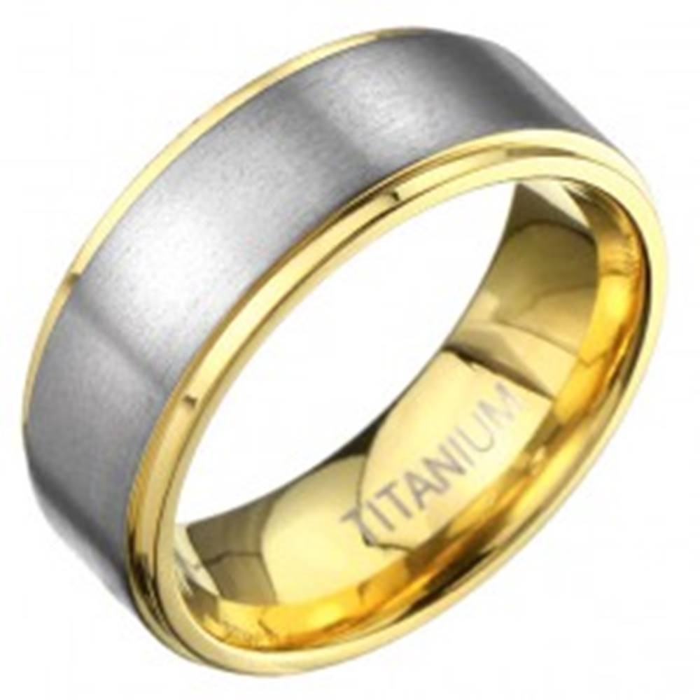 Šperky eshop Titánový prsteň v zlatej farbe s matným pásom striebornej farby - Veľkosť: 57 mm