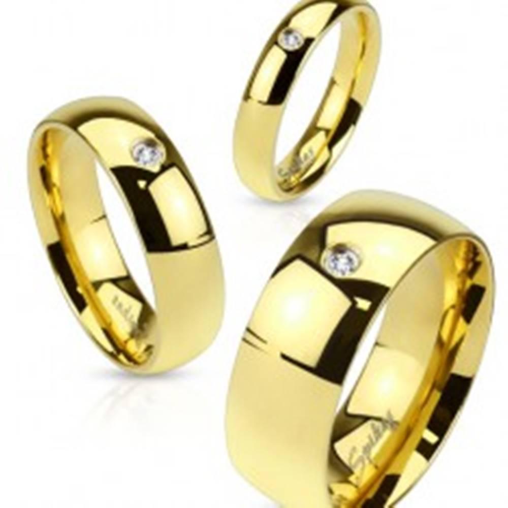 Šperky eshop Obrúčka z ocele 316L zlatej farby, číry zirkónik, lesklý hladký povrch, 8 mm - Veľkosť: 59 mm