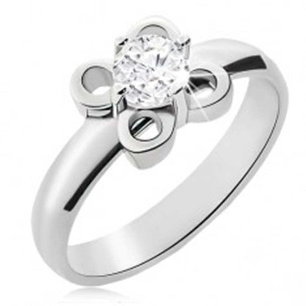 Šperky eshop Oceľový prsteň striebornej farby, kvietok s čírym zirkónom - Veľkosť: 49 mm