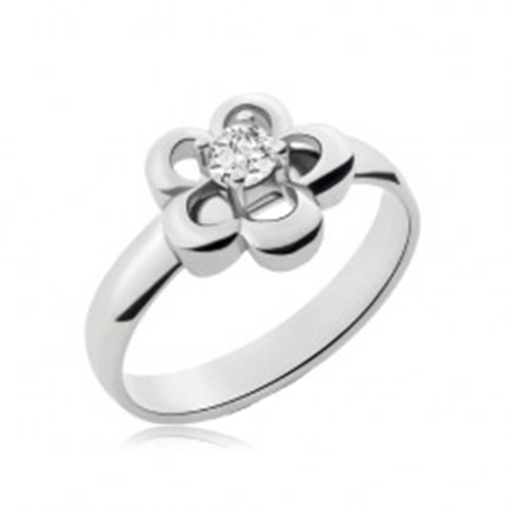 Šperky eshop Prsteň z chirurgickej ocele striebornej farby, kvietok, číry zirkón - Veľkosť: 49 mm