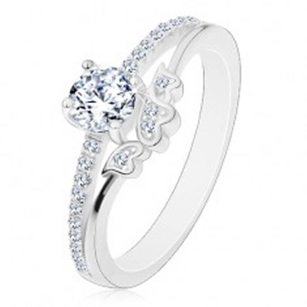 Šperky eshop Prsteň zo striebra 925 - zásnubný, číry zirkón a trblietavé ramená, srdiečka - Veľkosť: 50 mm