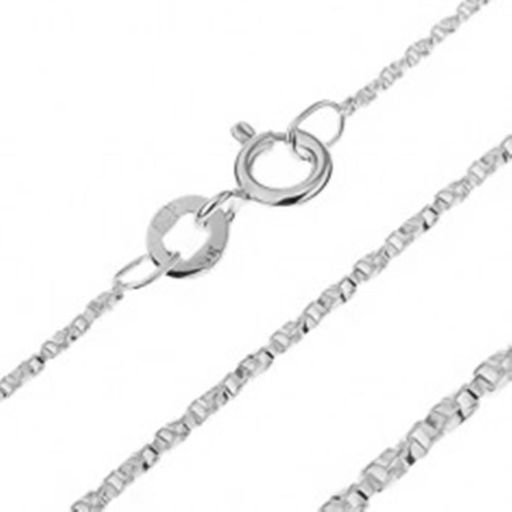 Šperky eshop Strieborná retiazka 925 - zatočené štvorčekové očká, 1,1 mm
