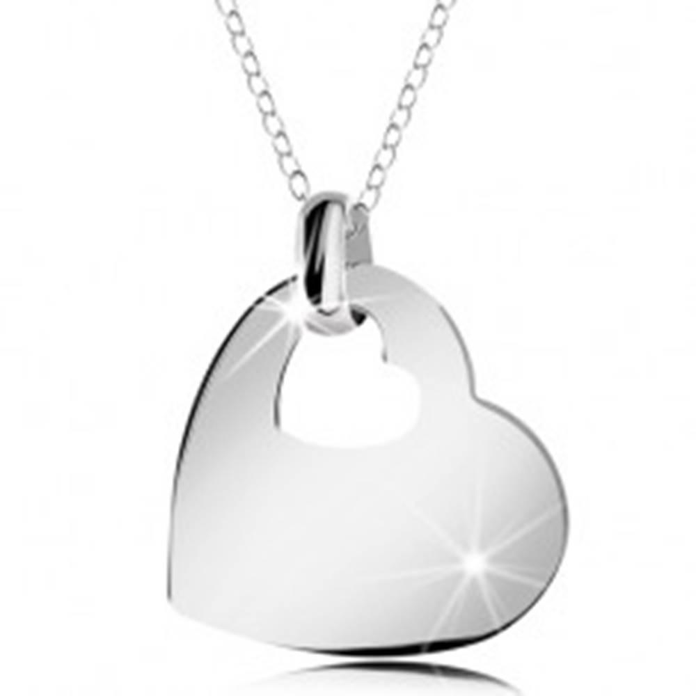 Šperky eshop Strieborný náhrdelník 925, lesklé srdce s výrezom malého srdiečka, retiazka