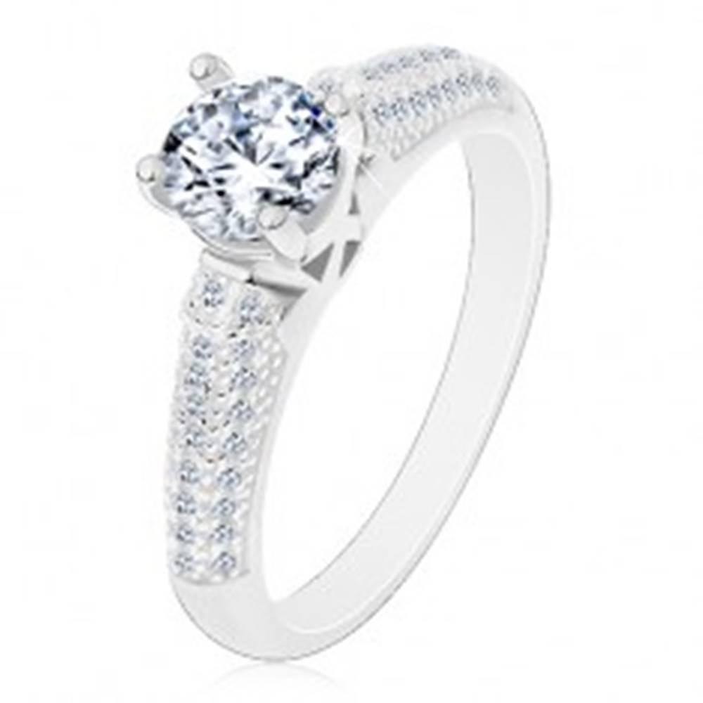 Šperky eshop Strieborný prsteň 925, okrúhly číry zirkón, trblietavé zirkónové ramená - Veľkosť: 50 mm