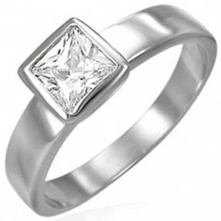 Oceľový prsteň striebornej farby, číry štvorcový zirkón v objímke - Veľkosť: 48 mm