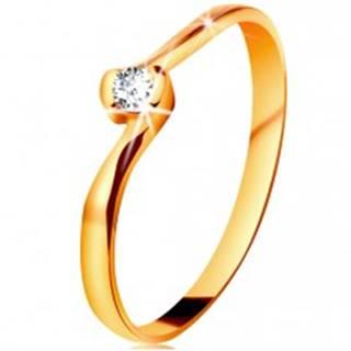 Prsteň v žltom 14K zlate - číry diamant medzi zahnutými koncami ramien - Veľkosť: 49 mm
