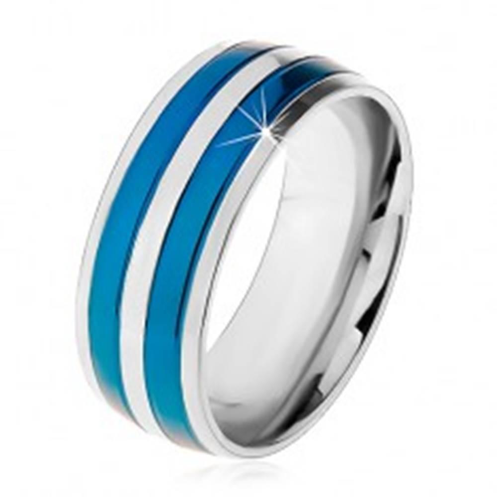 Šperky eshop Dvojfarebný oceľový prsteň, tenké pásy v modrom a striebornom odtieni, zárezy, 8 mm - Veľkosť: 57 mm